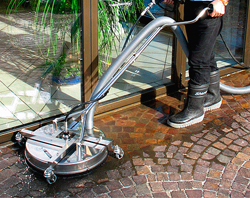 High pressure floorcleaning